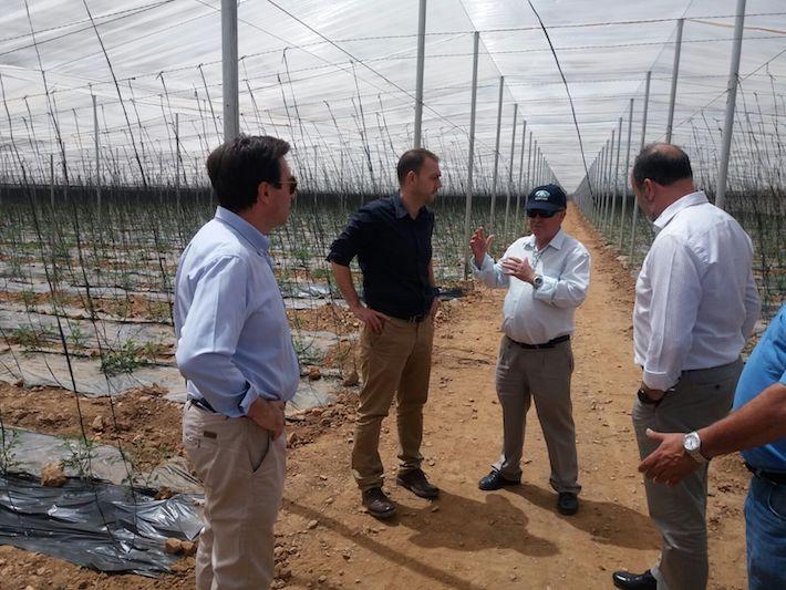 Agricultura muestra su apoyo a iniciativas empresariales entre las provincias de Granada y Almeria