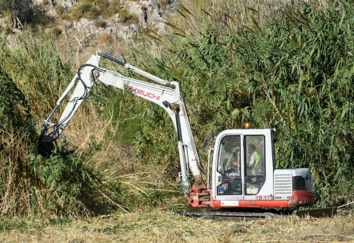 La Junta ultima la limpieza de una decena de ramblas en Motril y anejos