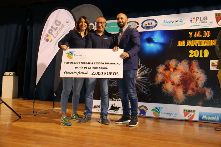 """Rafael Fernández Esteban y  Montse Vega ganan el primer premio del II Open de Fotografía y Vídeo Submarino """"Bahía de La Herradura"""""""