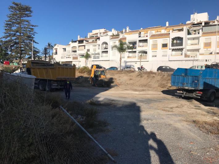 El Ayuntamiento de Salobreña comienza un plan de inspección de solares privados y pide responsabilidad en el mantenimiento y la limpieza