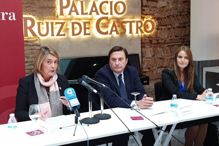 La alcaldesa clausura el pleno constituyente de la Cámara de Comercio de Motril con la reelección de Ángel Gijón como presidente.