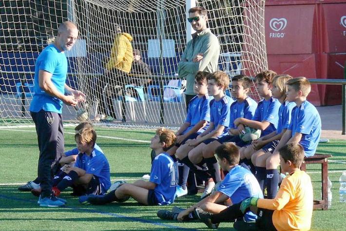 La agenda deportiva para este fin de semana en Almuñécar y La Herradura estará marcada por el fútbol y el balonmano.