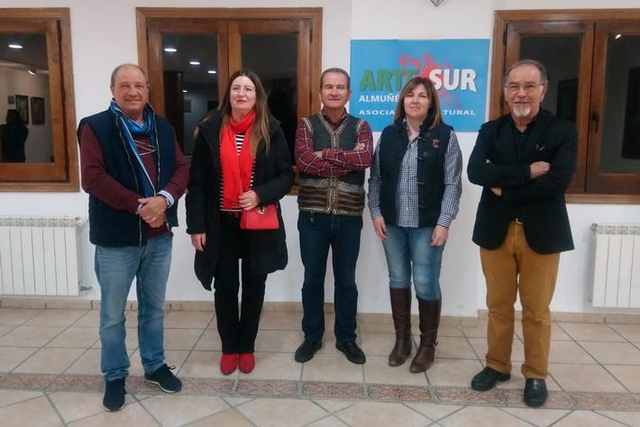 """Cuatro pintores almuñequeros de """"Arte Sur"""" exponen en la villa alpujarreña de Bubión."""