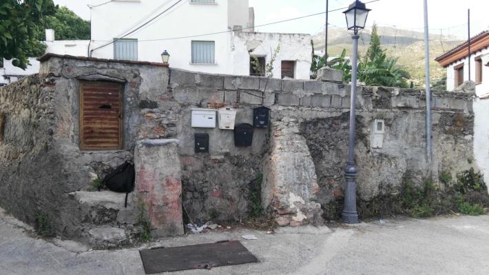 VOX denuncia una balsa de aguas fecales en Ítrabo
