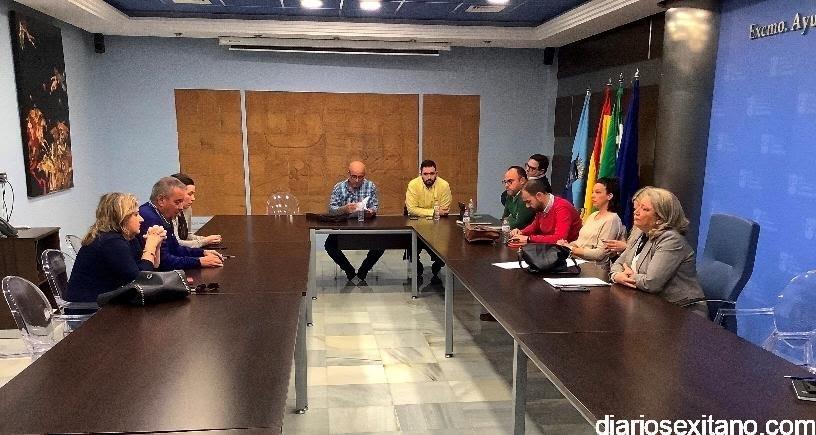 La oposición de Almuñécar pide la reunión telemática urgente de la Junta de Portavoces ante el agravamiento de la pandemia.
