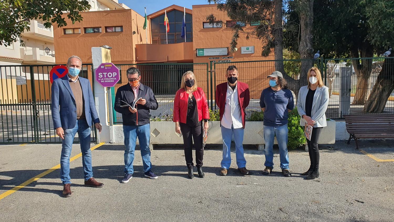 Mancomunidad comienza en La Herradura la entrega del cómic histórico 'LOS VIAJEROS DEL TIEMPO a los centros educativos.