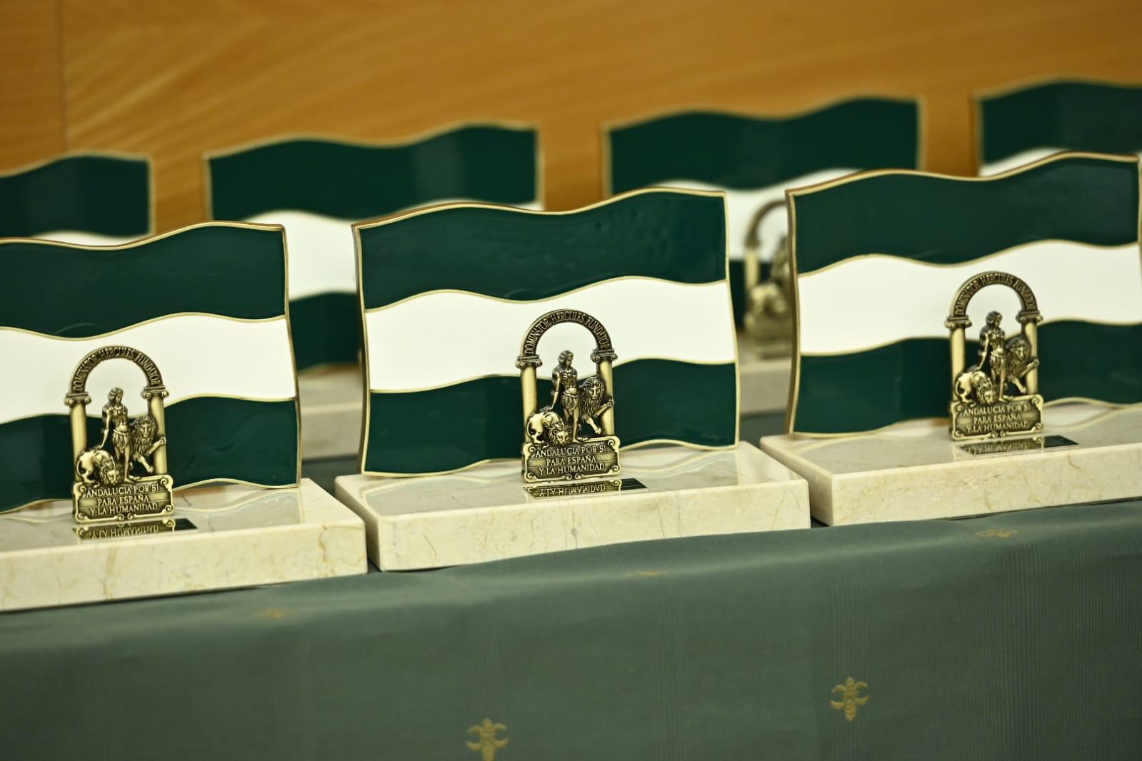 La Junta de Andalucía en Granada presenta sus diez galardonados con la Bandera de Andalucía en el año Covid-19