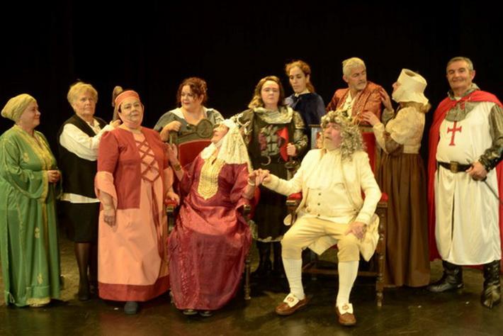 Los talleres de Teatro y Pintura retoman su actividad presencial en Salobreña.