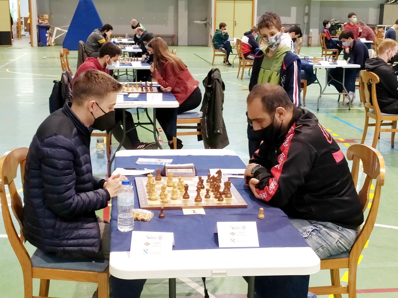 """El Gran Maestro armenio Karen H. Grigoryan hizo valer su condición de favorito en el """"I Open Internacional de Ajedrez Puerto de Motril"""""""