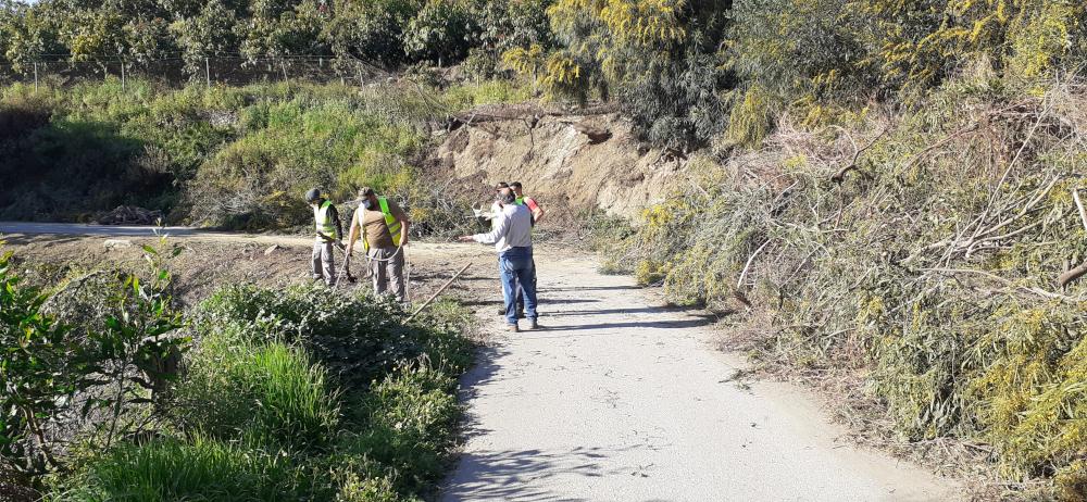 El adecentamiento del camino del Canal de Salobreña provocará cortes intermitentes en los próximos días