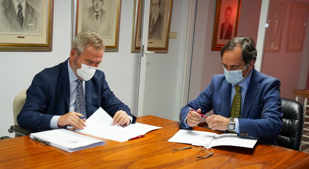Cámara de Comercio de Motril respalda la conexión ferroviaria del Puerto con la firma del manifiesto de apoyo