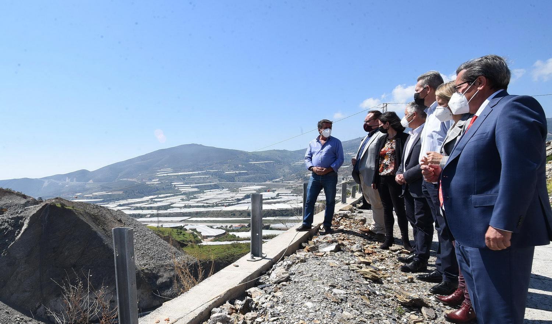 Diputación invierte más de 500.000 euros en la mejora de dos vías de Gualchos-Castell de Ferro