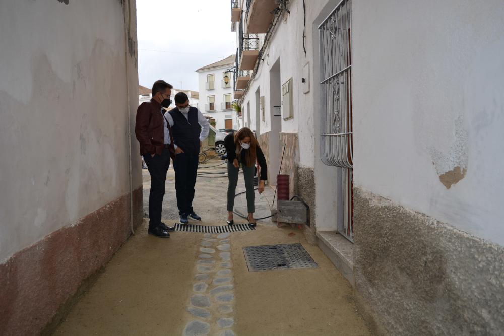 La Junta de Andalucía impulsa la extensión de banda ancha en municipios de Granada que no tienen acceso a Internet