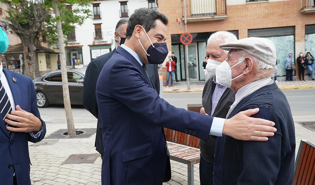 El presidente de la Junta destaca el esfuerzo de los municipios para la reactivación económica y social de Andalucía