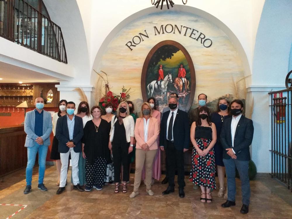 La alcaldesa de Motril da la bienvenida al nuevo presidente del Colegio de Fisioterapeutas de Andalucía
