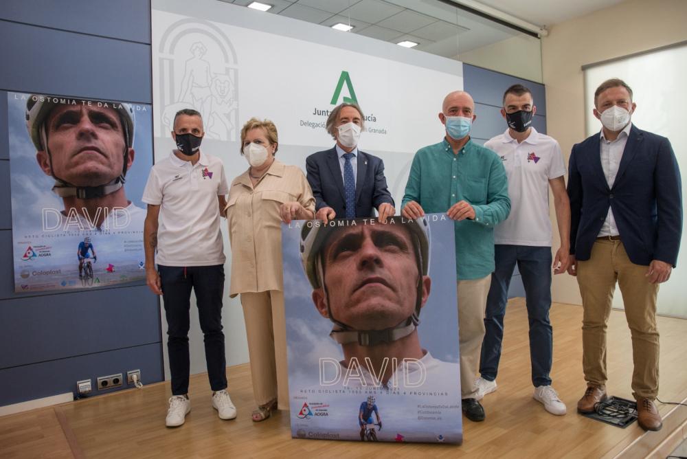 La Junta apoya un reto ciclista impulsado desde la Asociación de Ostomizados de Granada, AOGRA