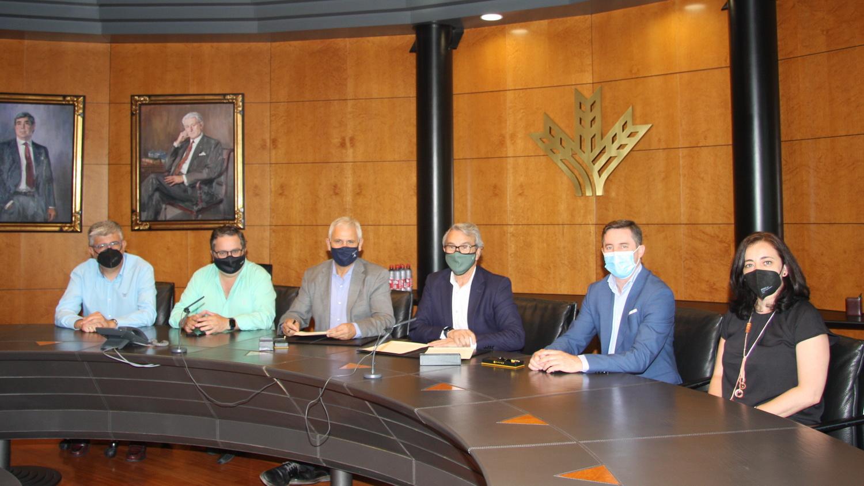 Caja Rural Granada y Cooperativas Agro-Alimentarias de Granada renuevan su compromiso de impulso a las cooperativas agrarias