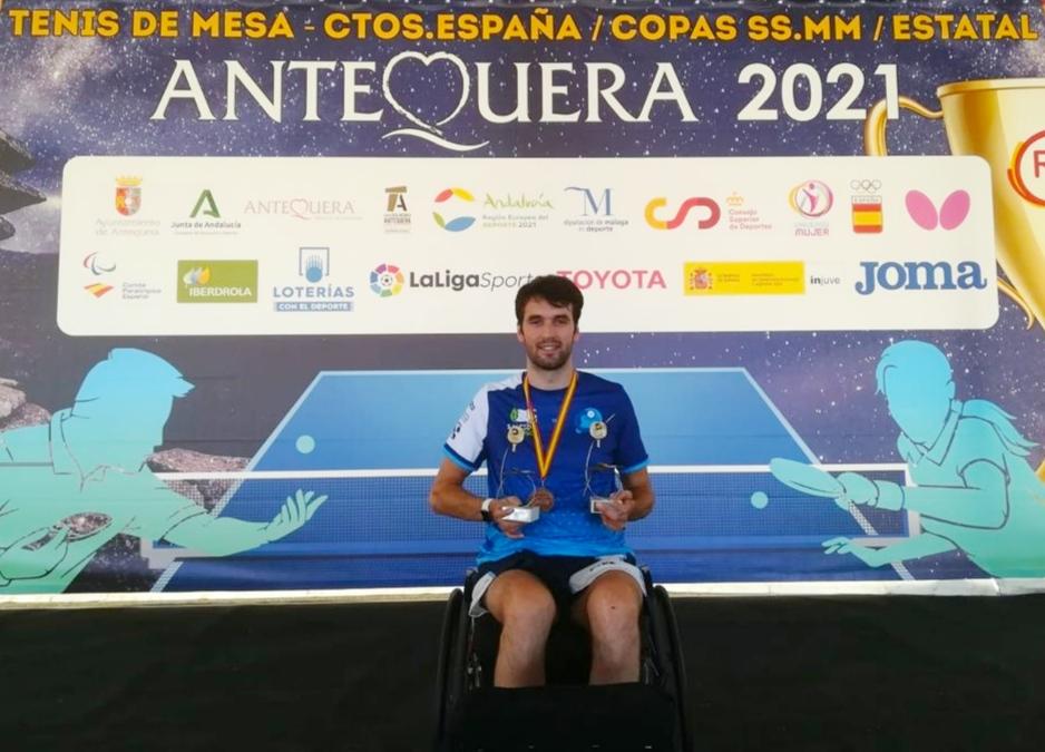 El deportista motrileño, Daniel Rodríguez, se alza con la plata en silla clase 2 y el bronce en equipos.