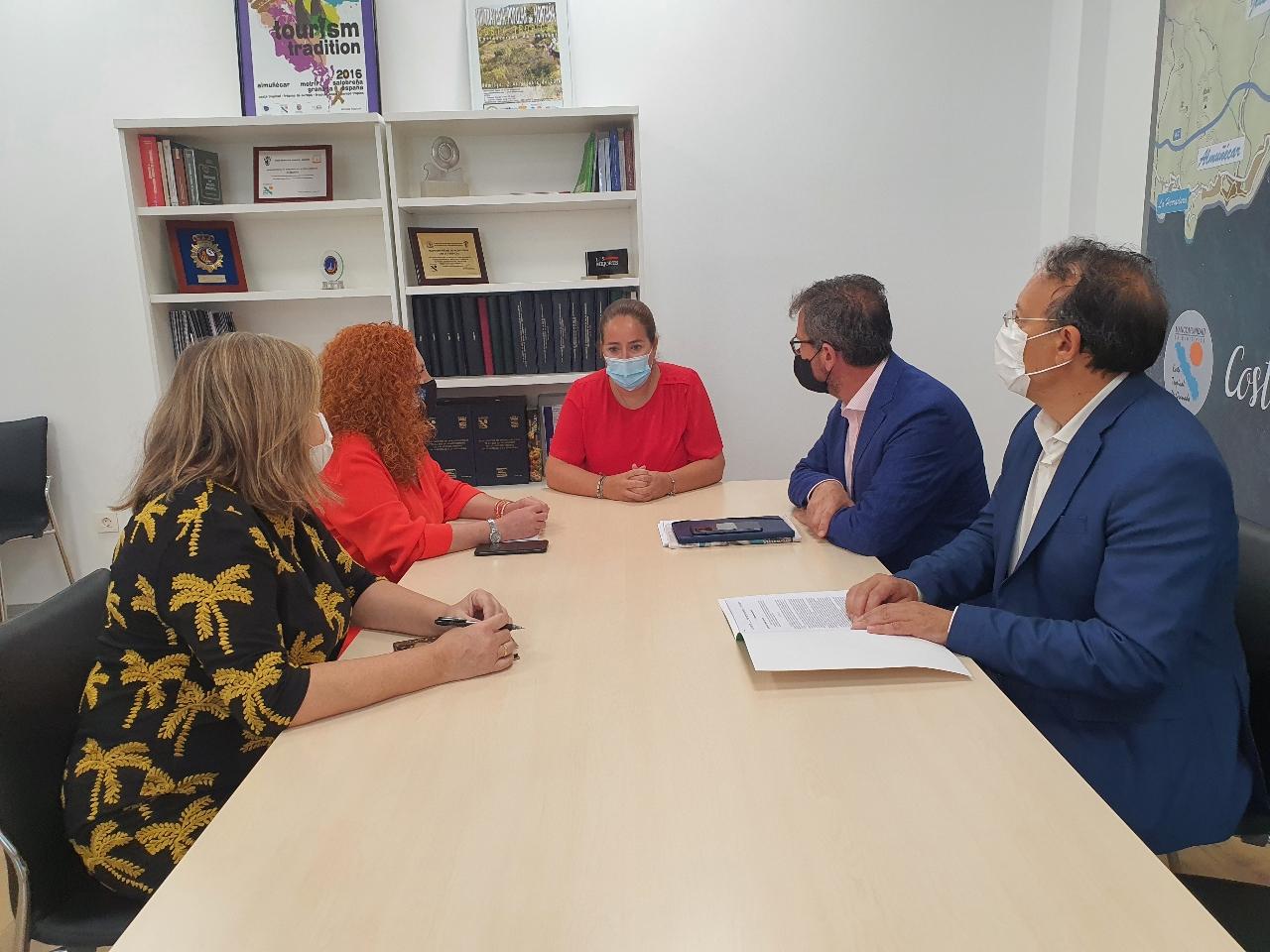 Mancomunidad articulará con la Junta, Diputación y Costas la celebración de una mesa de trabajo para incluir la Senda Litoral de la Costa Tropical en el Plan de Sostenibilidad en Destino.