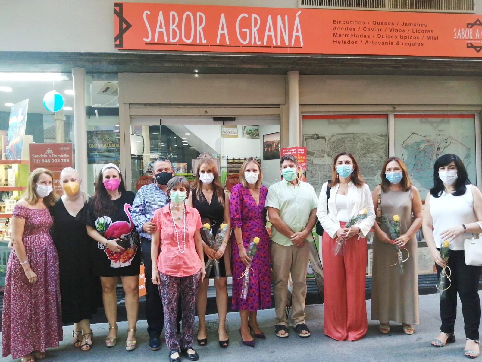 La Junta presenta a los CCA de Granada las novedades y ayudas dirigidas a la recuperación del pequeño comercio y la artesanía profesional