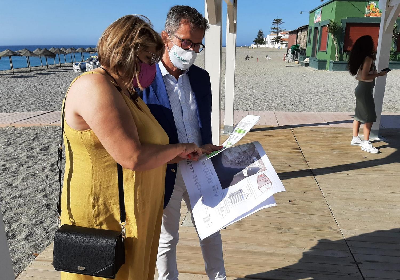 Turismo invierte 500.000 euros en la mejora de la accesibilidad de la playa de Carchuna-Calahonda