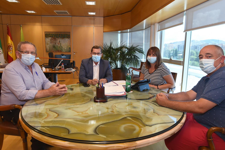 La Fundación 'Banco de Alimentos de Granada' se reúne con el presidente de Diputación.