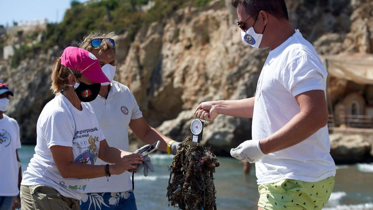 La Red de Vigilantes Marinos intervendrá este sábado en una limpieza de fondos en la playa de Cotobro de Almuñécar