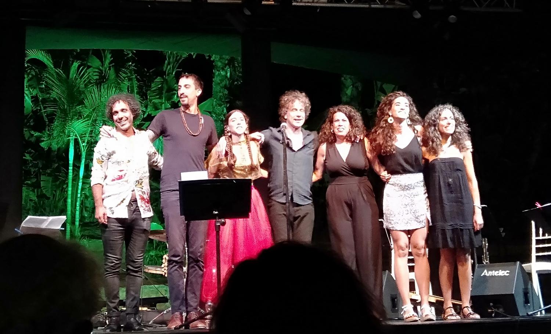 El público del Majuelo aplaudió el concierto de Dutch Marmoucha Orchestra & Fuensanta Méndez Mare Nostrum, con evocación al Mediterráneo.