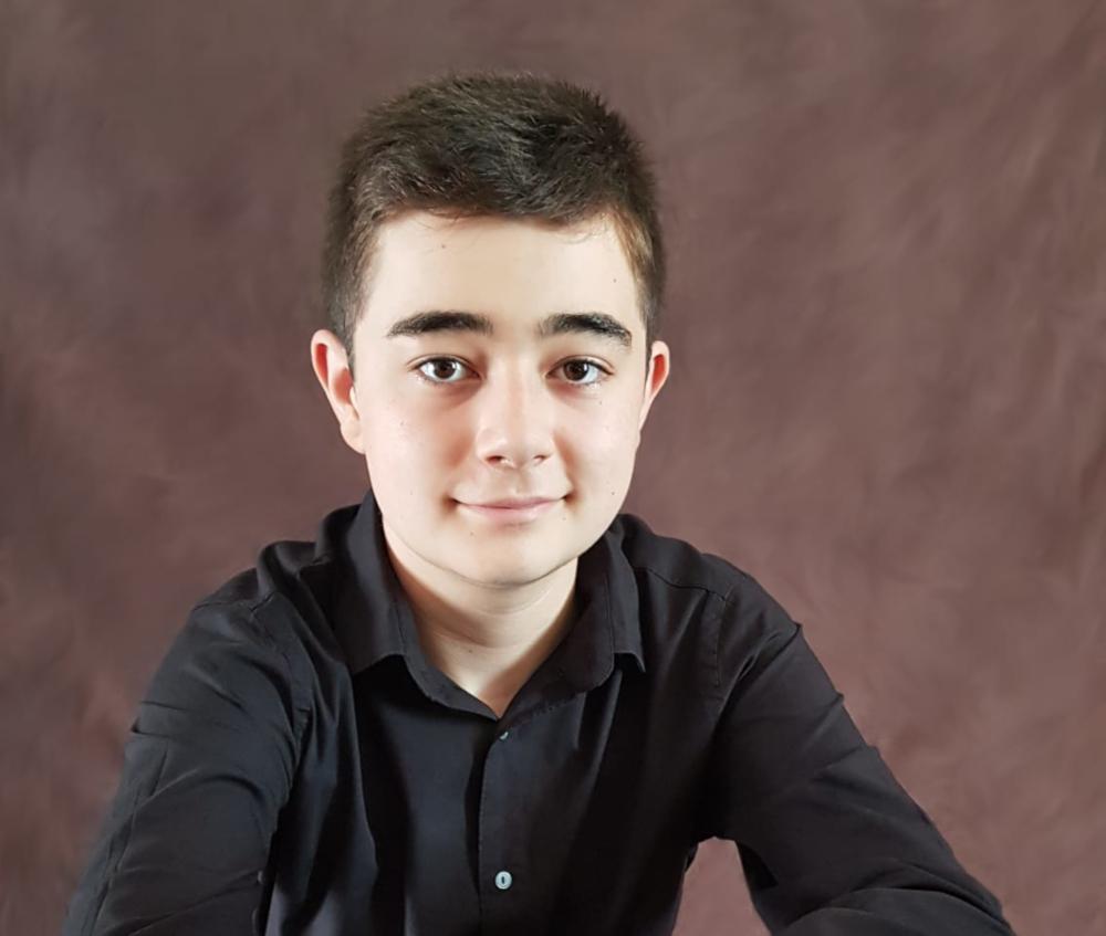 El joven pianista Alberto Villaescusa, un orgullo para el pueblo de Salobreña