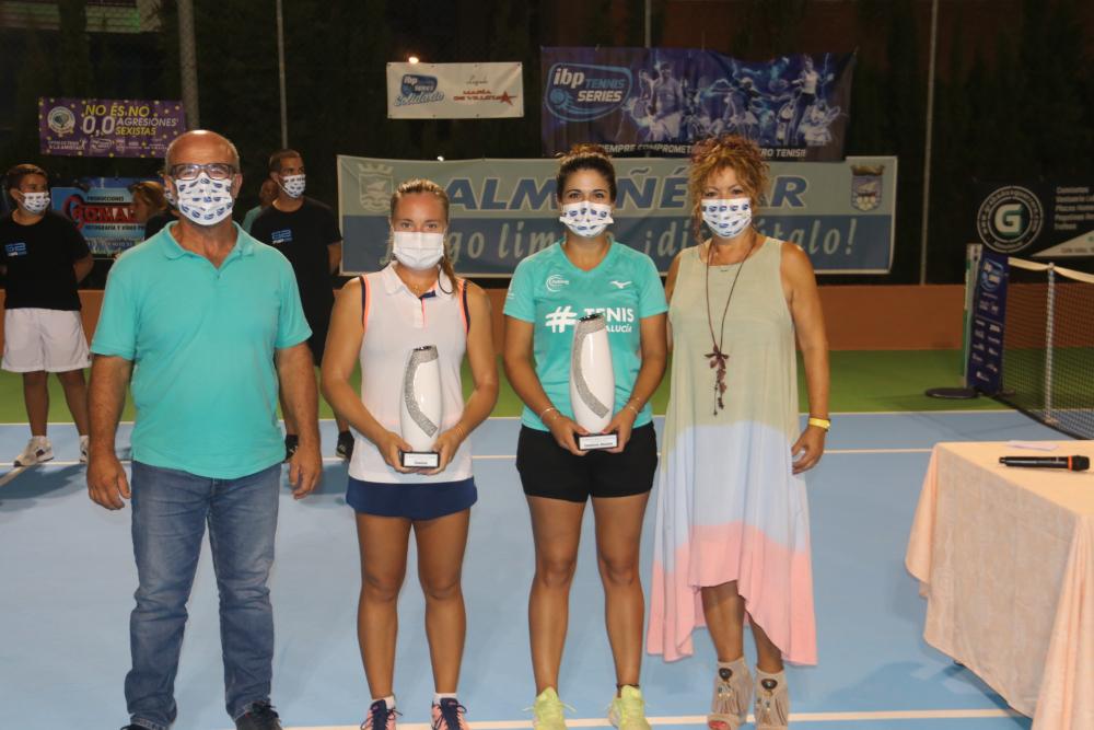 """La cordobesa Maria José Luque Moreno, campeona del XVII Open de Tenis  """"A la amistad"""" de Almuñécar"""