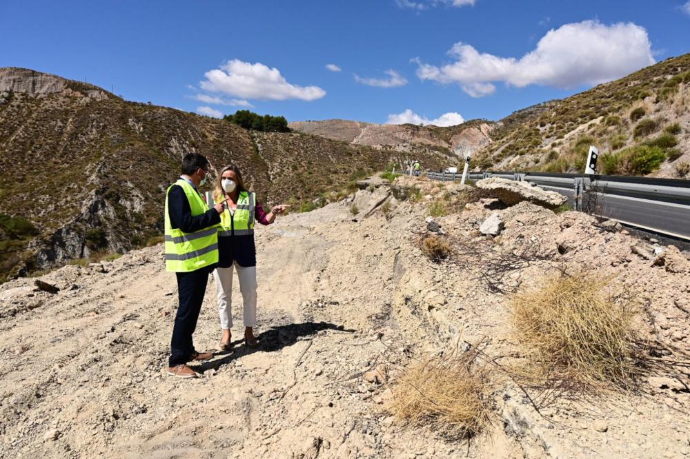 La Junta destina tres millones para evitar más desprendimientos en la carretera Cádiar-Yátor