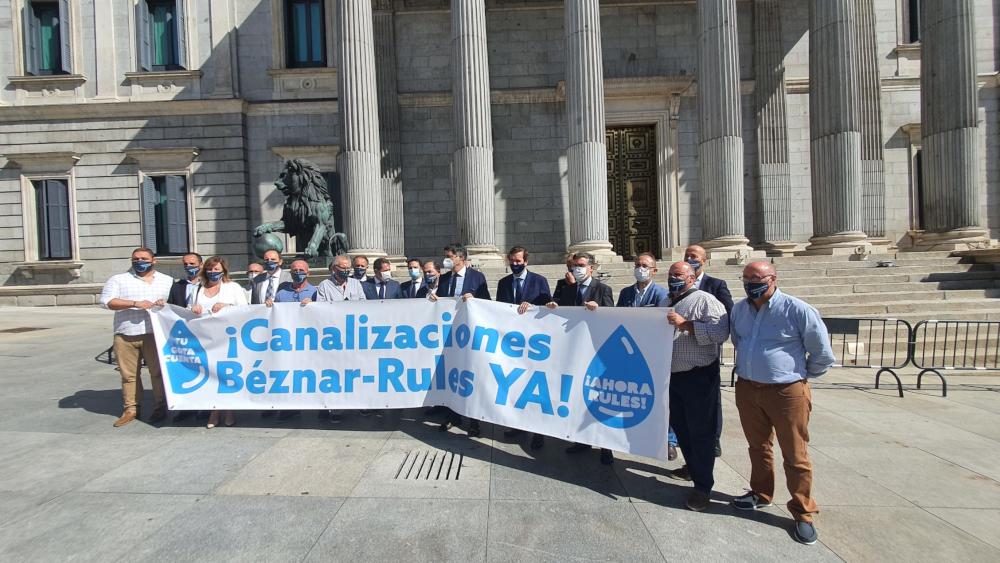 La Plataforma por las Infraestructuras se 'planta' en Madrid para exigir que los espigones y las canalizaciones se incluyan en los 'Next Generation'