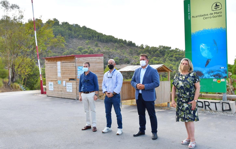 Unas 34.000 personas han utilizado este verano las lanzaderas a la Playa de Cantarriján.
