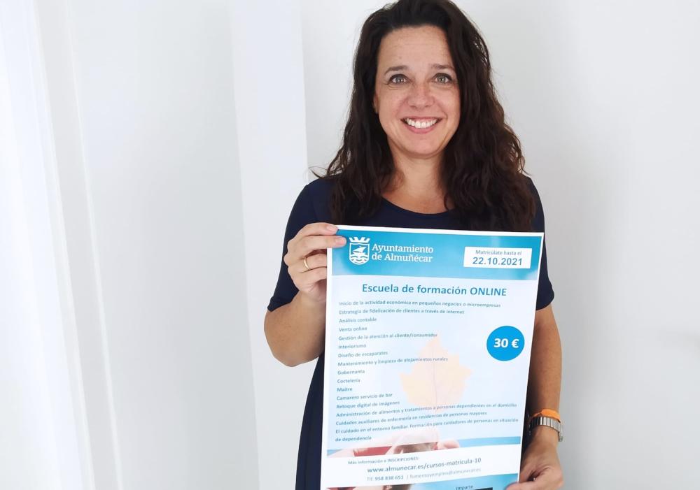 La formación On Line y en el sector servicios, apuesta del Ayuntamiento de Almuñécar para mejorar la empleabilidad