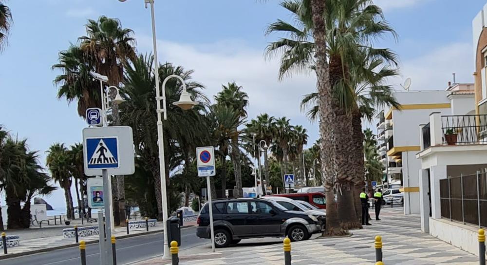 Atracan una tienda en Puerta del Mar, maniatan a la dependienta y se llevan la recaudación de la caja